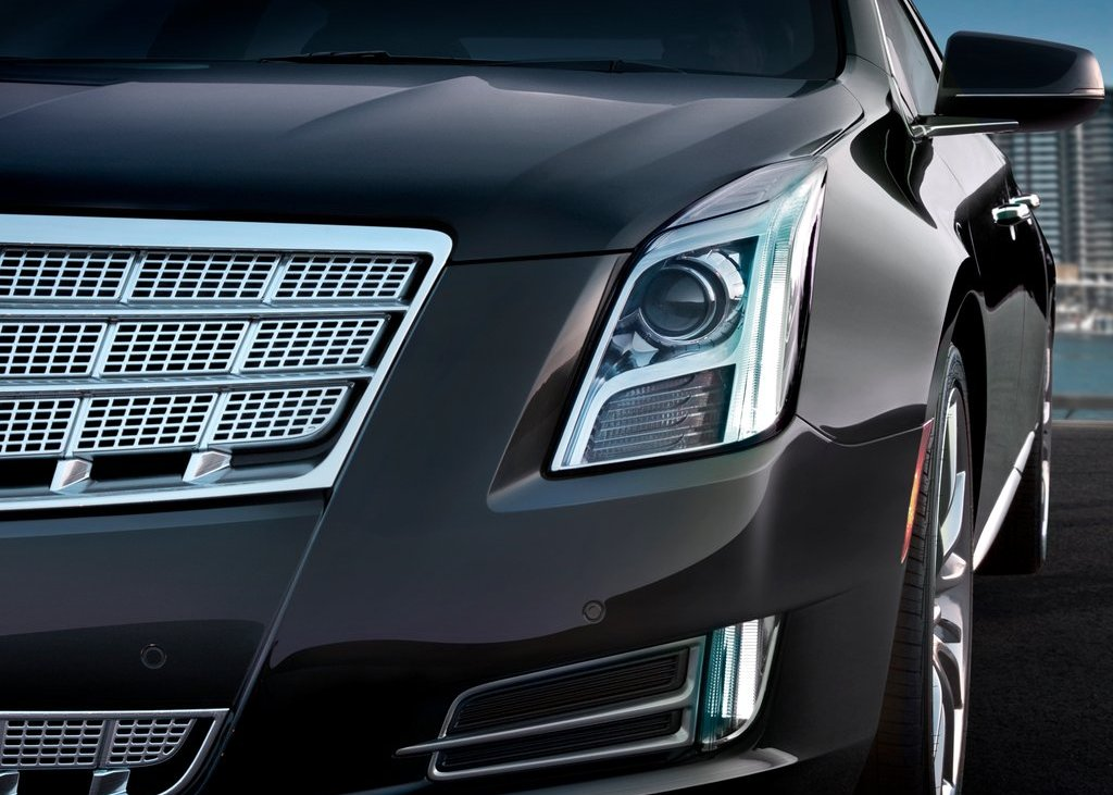 2013 Cadillac XTS Head Lamp (Photo 9 of 15)