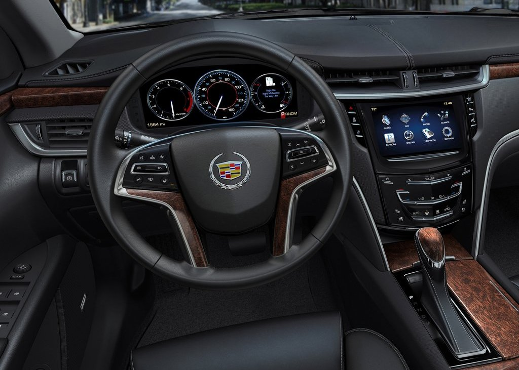 2013 Cadillac XTS Interior (Photo 10 of 15)