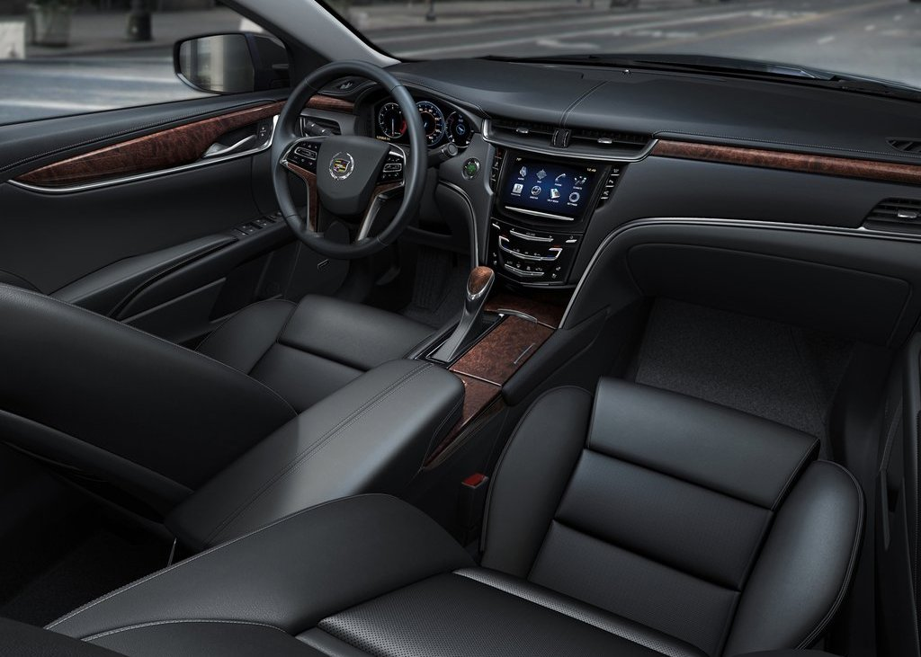 2013 Cadillac XTS Interior (Photo 11 of 15)