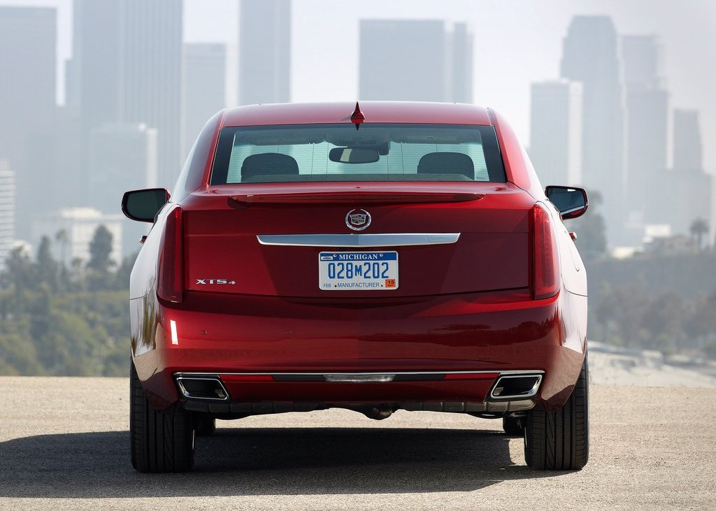 2013 Cadillac XTS Rear (Photo 12 of 15)