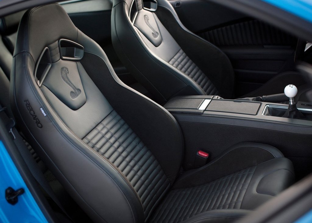 2013 Ford Mustang Shelby GT500 Seat (Photo 22 of 27)