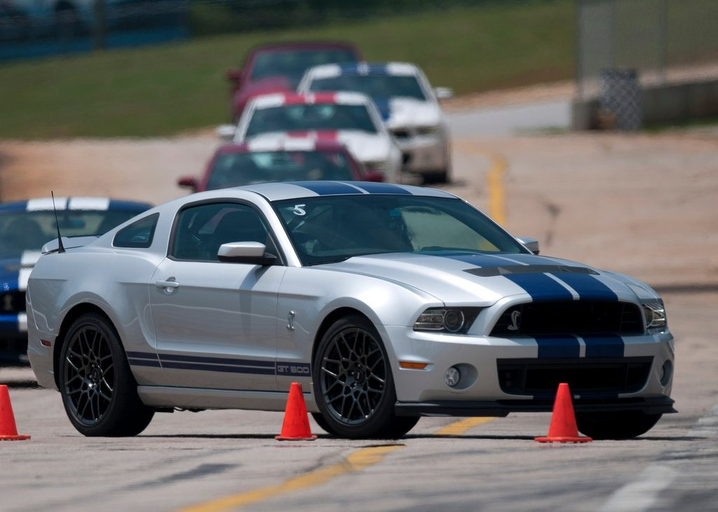 2013 Ford Mustang Shelby GT500 Silver (Photo 23 of 27)