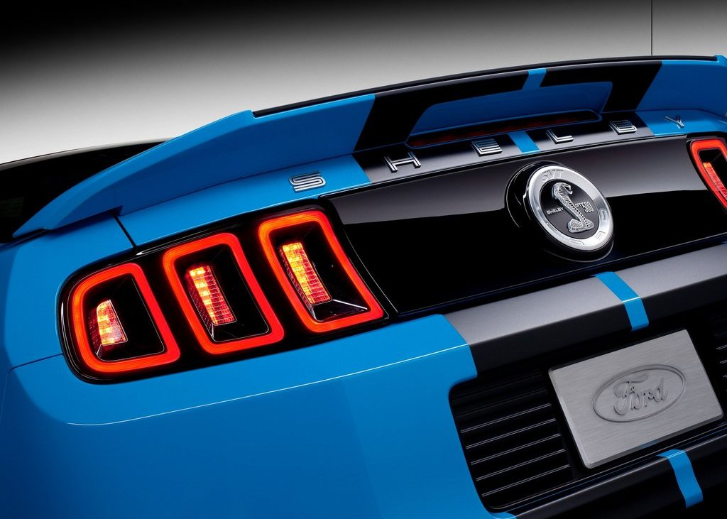 2013 Ford Mustang Shelby GT500 Tail Lamp (Photo 25 of 27)