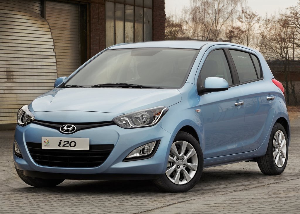 2013 Hyundai I20 Front View (Photo 3 of 8)