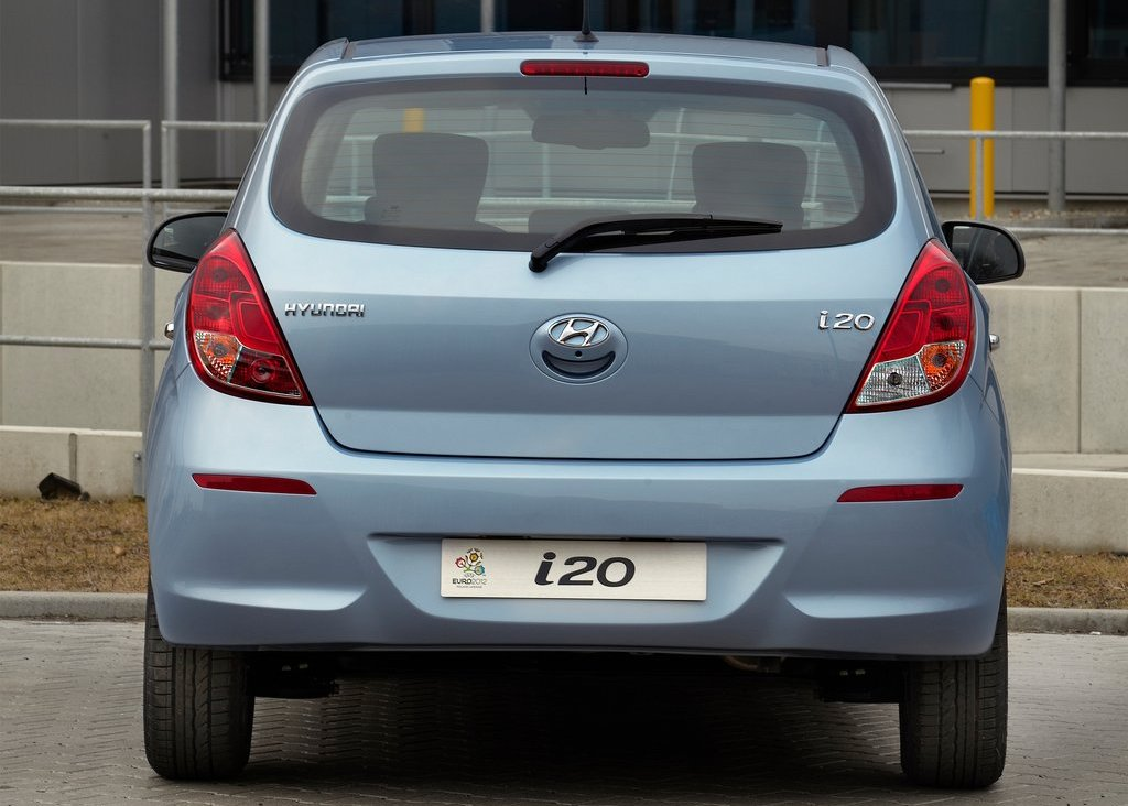 2013 Hyundai I20 Rear (Photo 6 of 8)