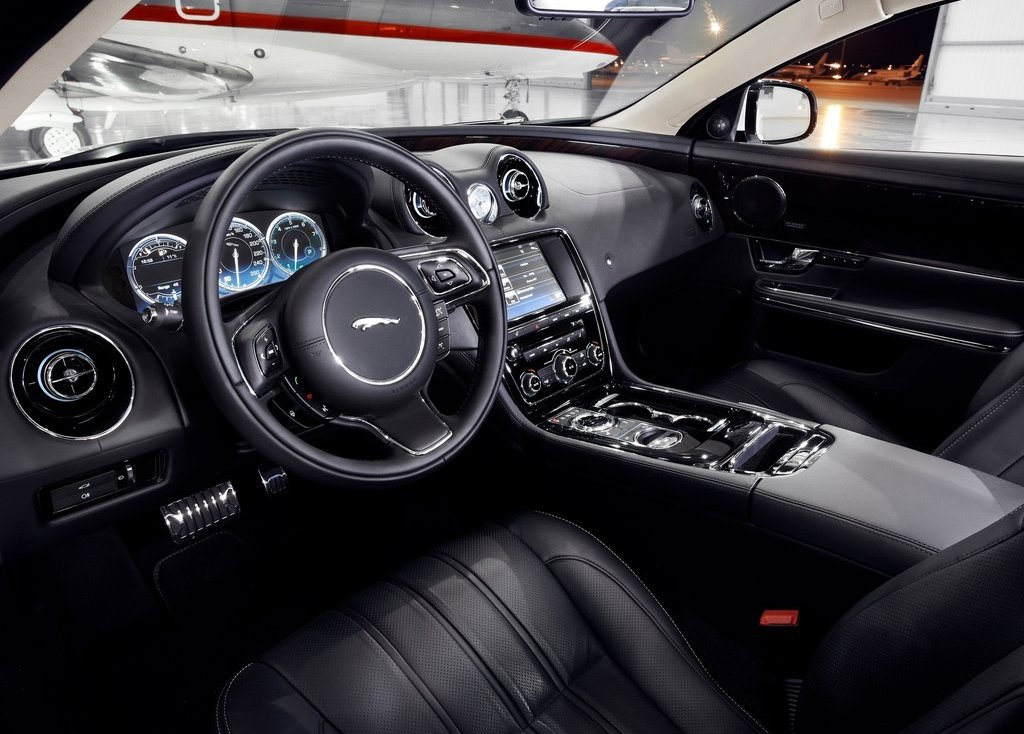 2013 Jaguar XJ Ultimate Interior (Photo 7 of 13)