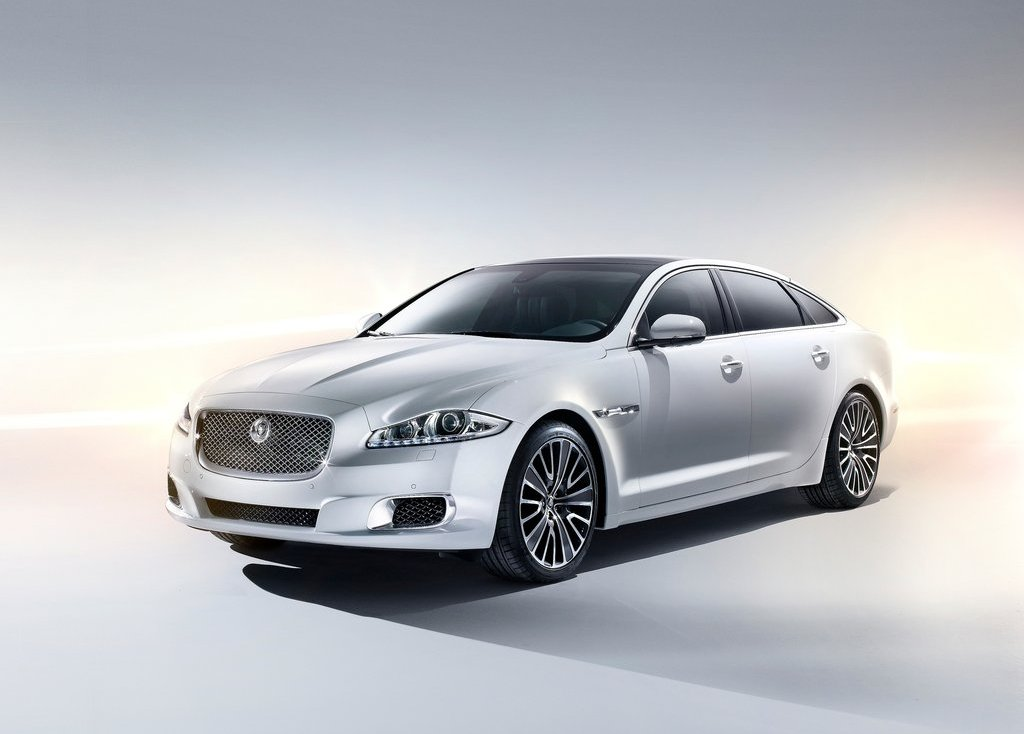 2013 Jaguar XJ Ultimate (Photo 1 of 13)