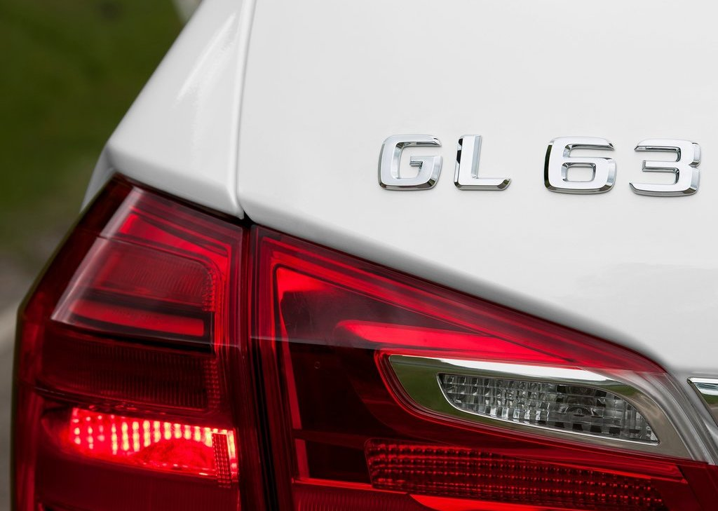 2013 Mercedes Benz GL63 AMG Emblem (Photo 2 of 15)
