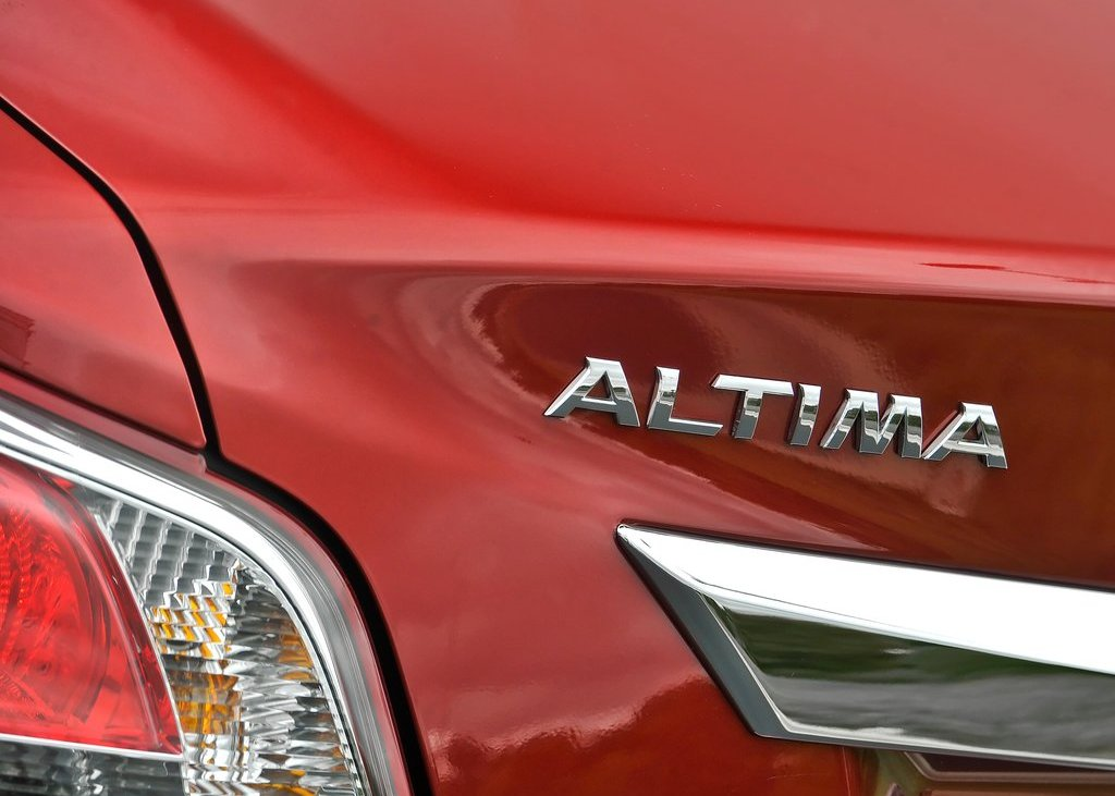 2013 Nissan Altima Sedan Emblem (View 2 of 13)