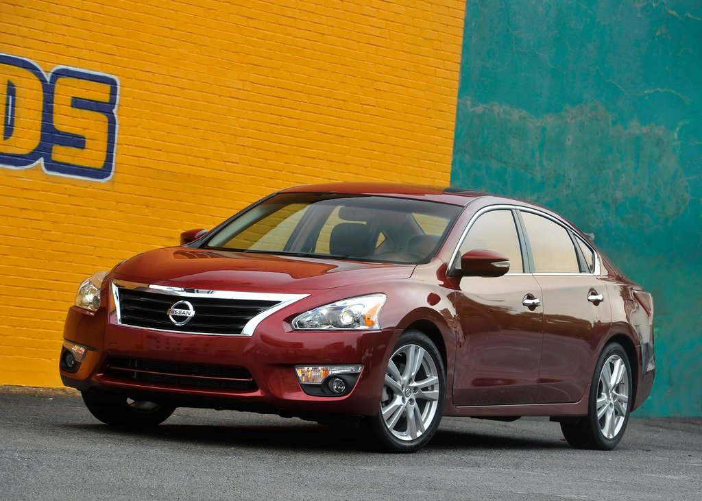Featured Image of 2013 Nissan Altima Sedan Specs Review