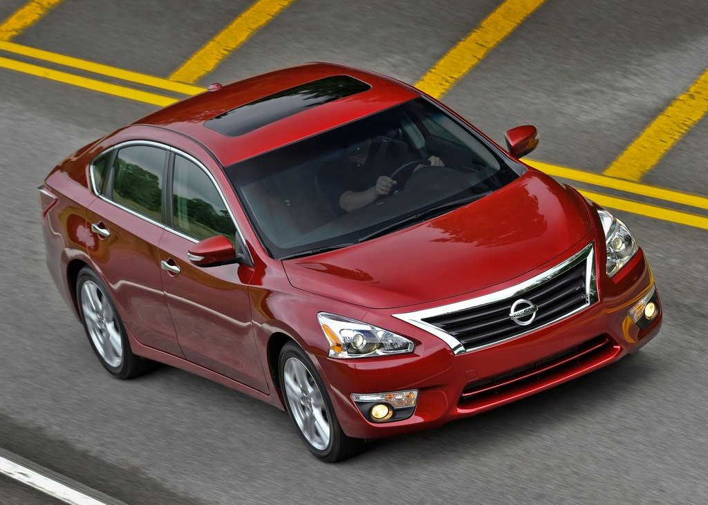 2013 Nissan Altima Sedan Top View (Photo 12 of 13)