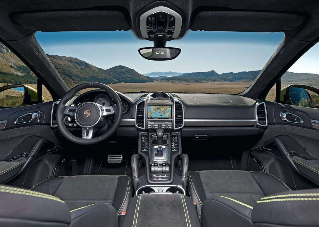 2013 Porsche Cayenne GTS Interior (Photo 5 of 9)