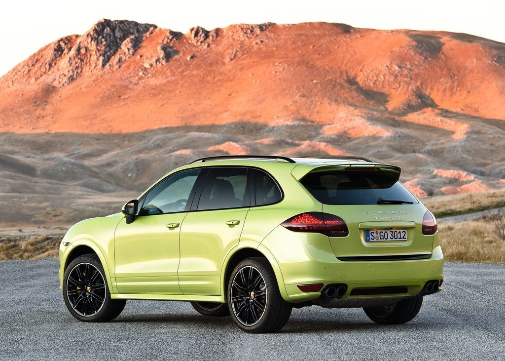 2013 Porsche Cayenne GTS Rear Angle (Photo 7 of 9)