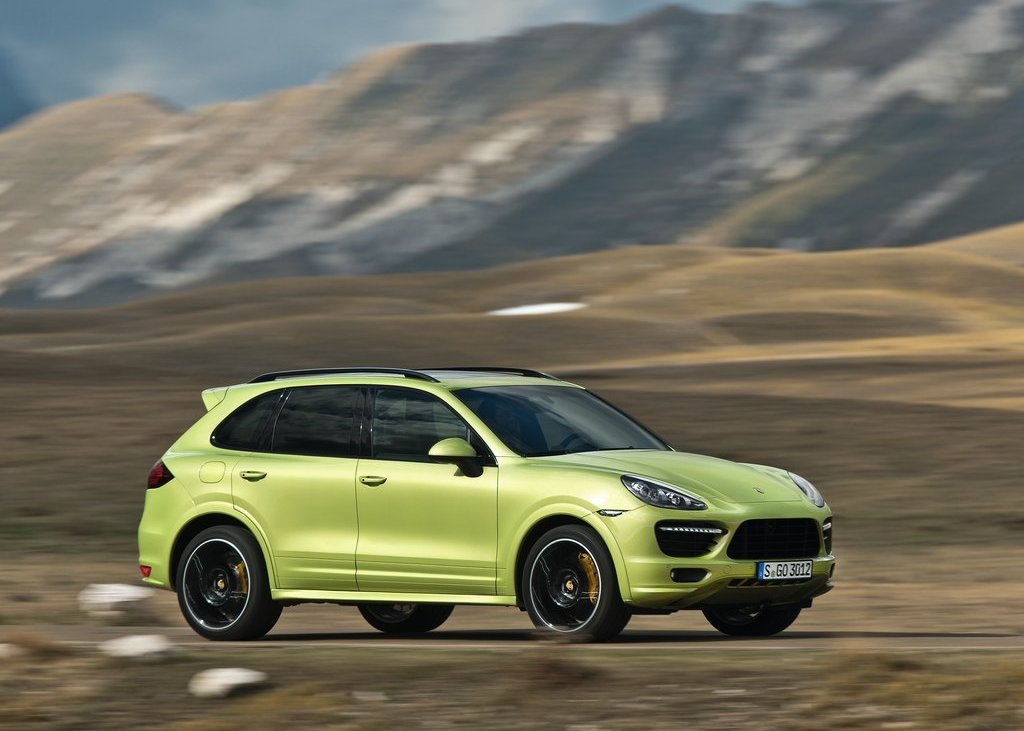 2013 Porsche Cayenne GTS Side (Photo 9 of 9)