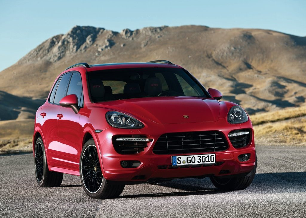 2013 Porsche Cayenne GTS (Photo 1 of 9)