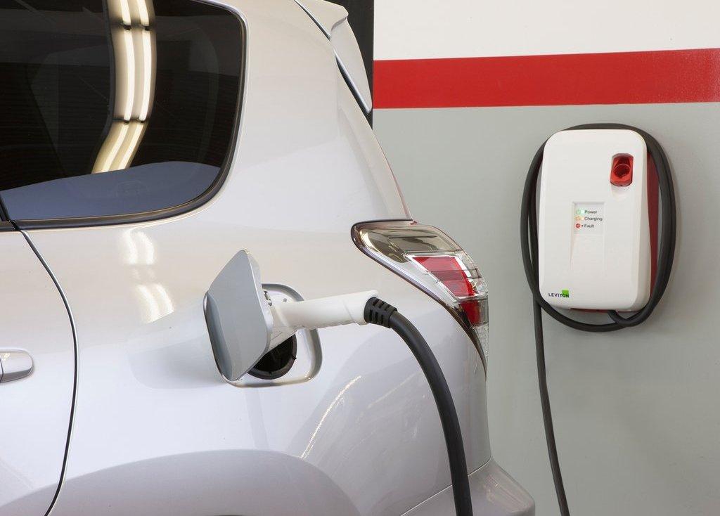 2013 Toyota RAV4 EV Electric Car (View 3 of 21)