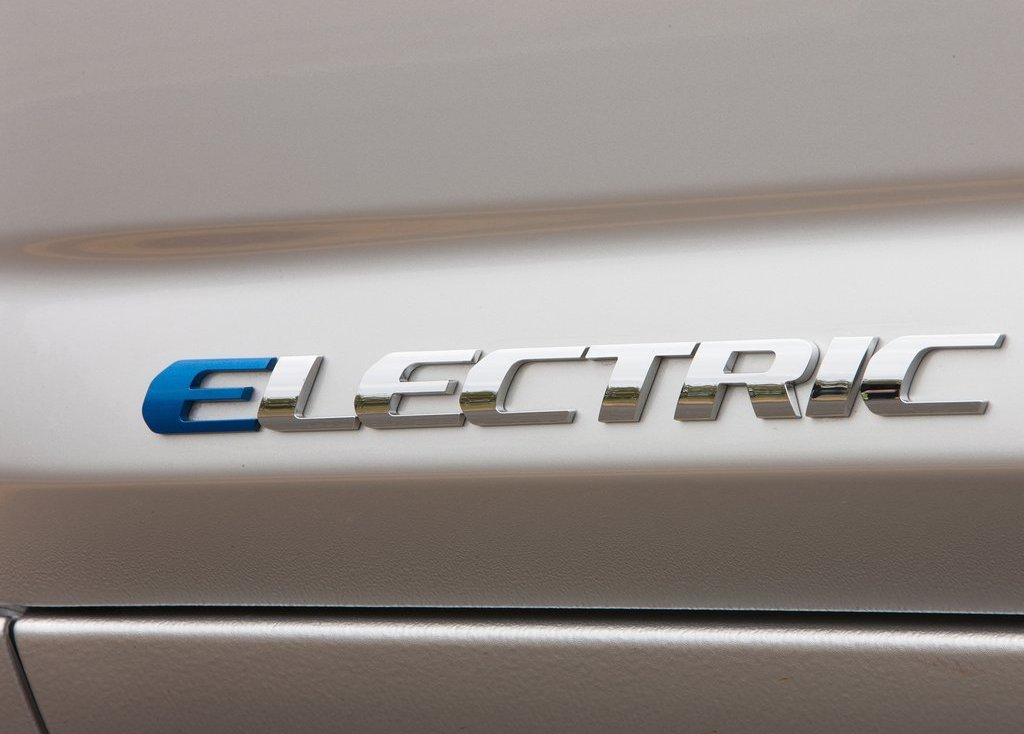 2013 Toyota RAV4 EV Electric (View 4 of 21)
