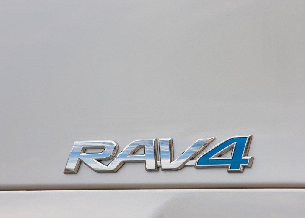 2013 Toyota RAV4 EV Emblem (View 5 of 21)