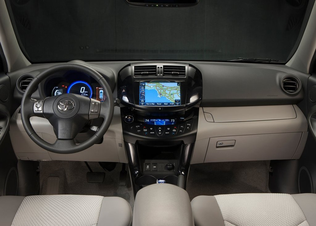 2013 Toyota RAV4 EV Interior (Photo 12 of 21)