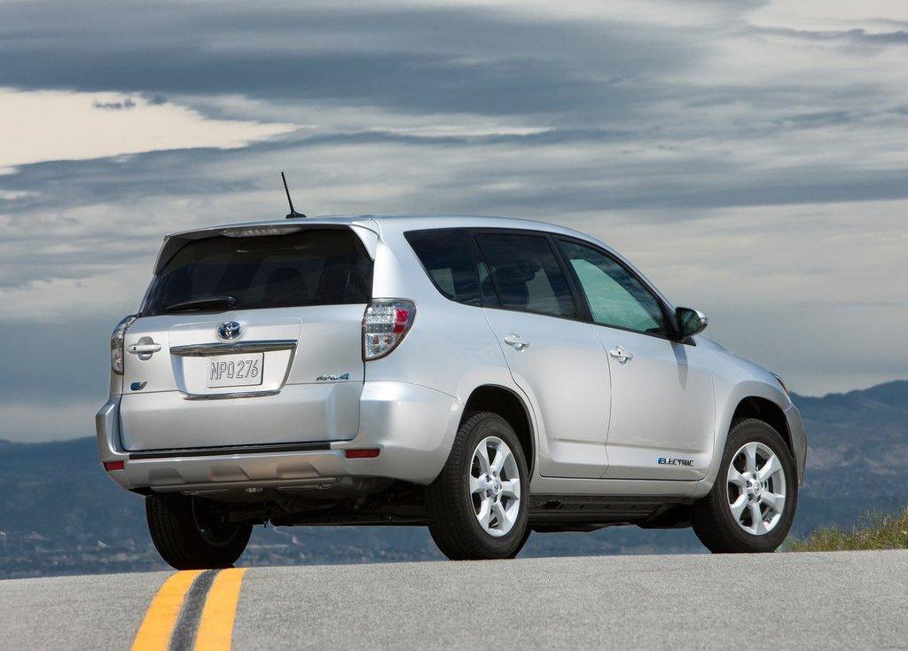 2013 Toyota RAV4 EV Rear Angle (View 15 of 21)