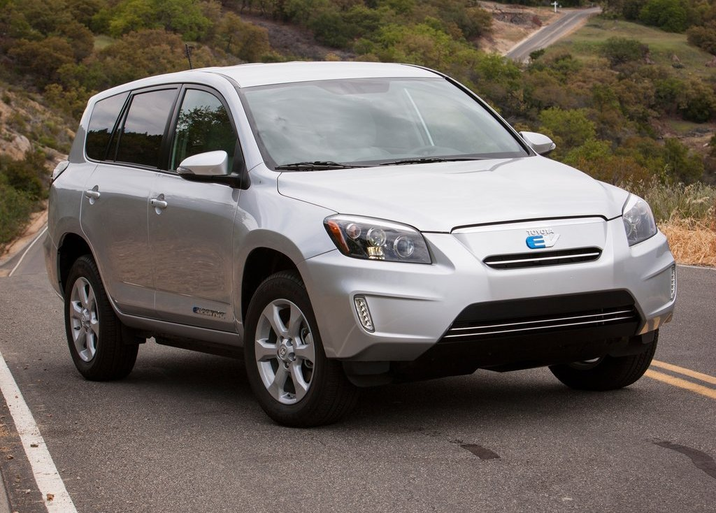 Featured Image of 2013 Toyota RAV4 EV Electric Cars