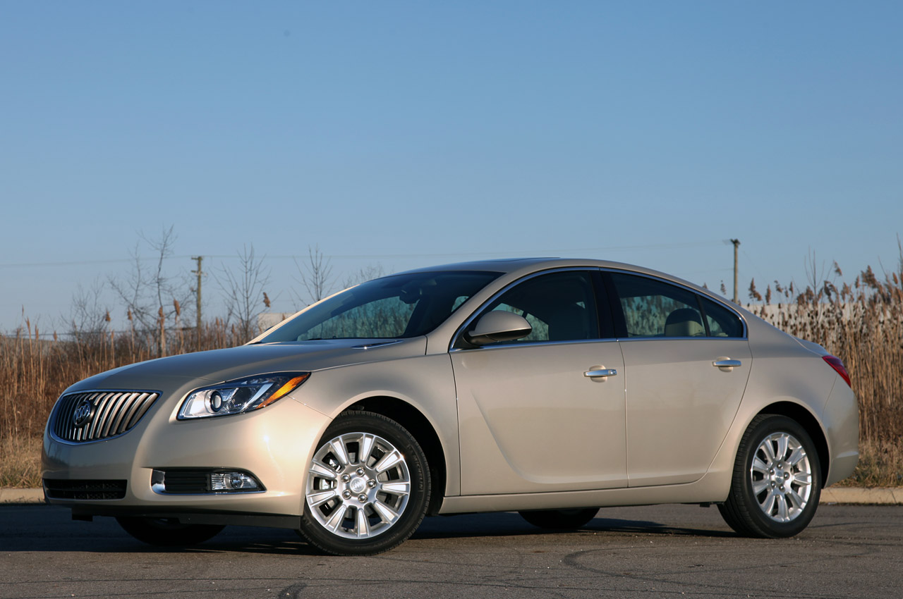 2012 Buick Regal EAssist Front Angle (Photo 10 of 22)