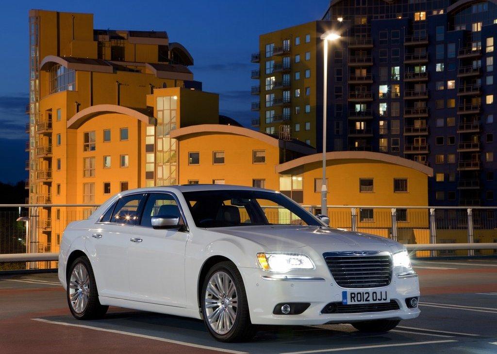 2012 Chrysler 300C (Photo 1 of 24)