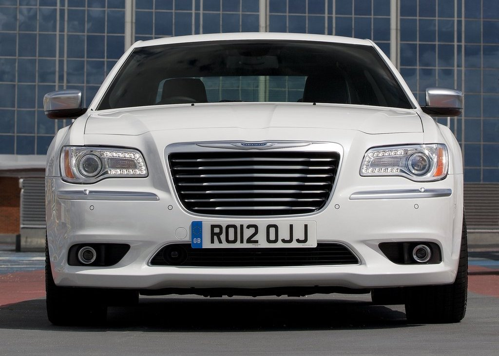 2012 Chrysler 300C Front (View 7 of 24)