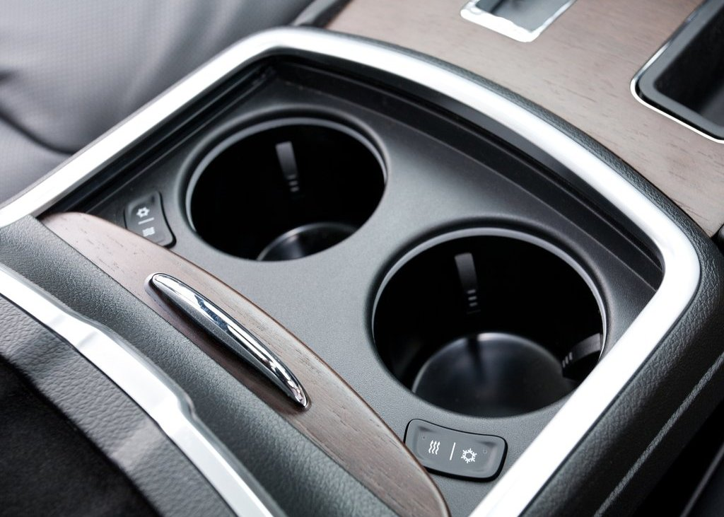 2012 Chrysler 300C Interior (Photo 13 of 24)