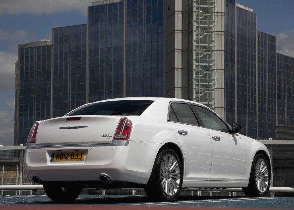 2012 Chrysler 300C Rear Angle (Photo 18 of 24)