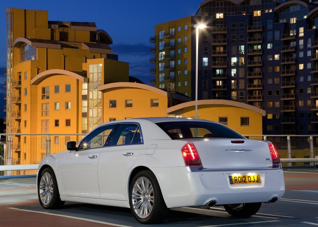 2012 Chrysler 300C Rear View (View 17 of 24)