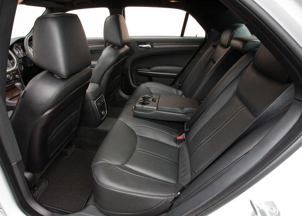 2012 Chrysler 300C Seat (Photo 21 of 24)