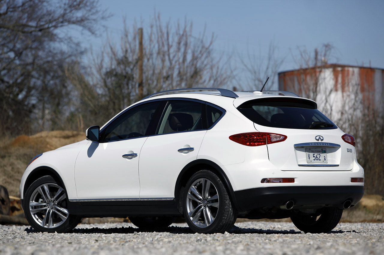 2012 Infiniti EX35 Rear Angle (View 10 of 18)