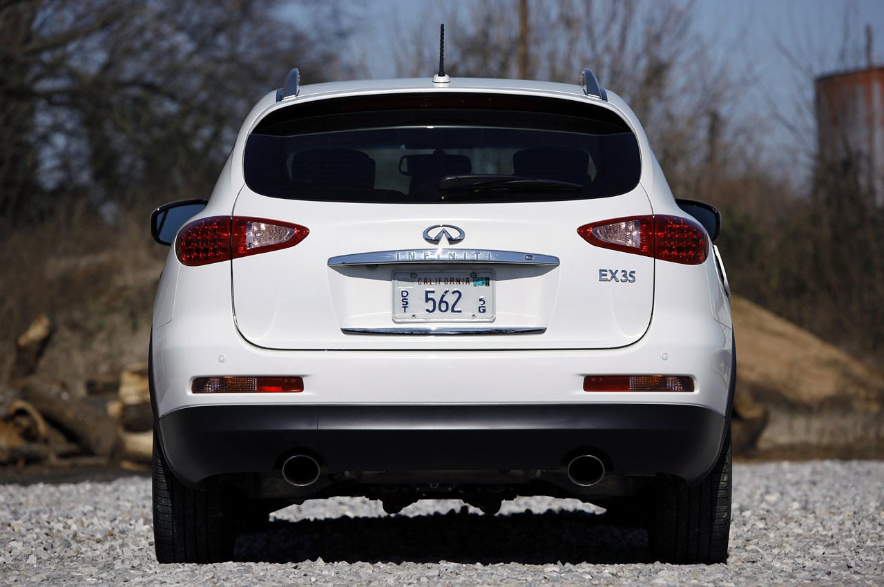 2012 Infiniti EX35 Rear (View 11 of 18)