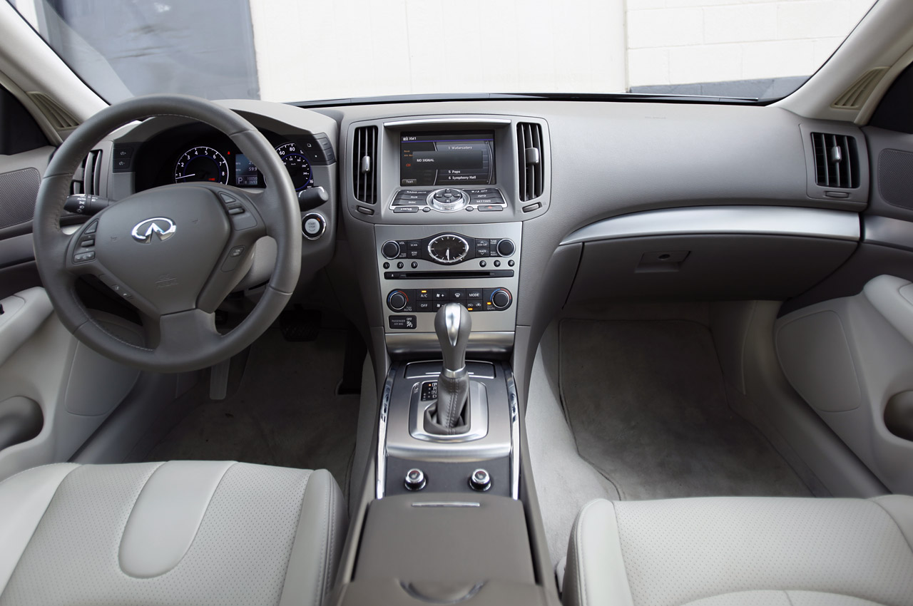 2012 Infiniti G25 Interior (View 7 of 15)