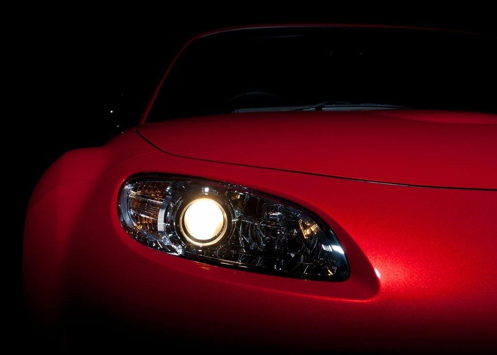 2012 Mazda MX 5 Kuro Head Lamp (Photo 8 of 18)
