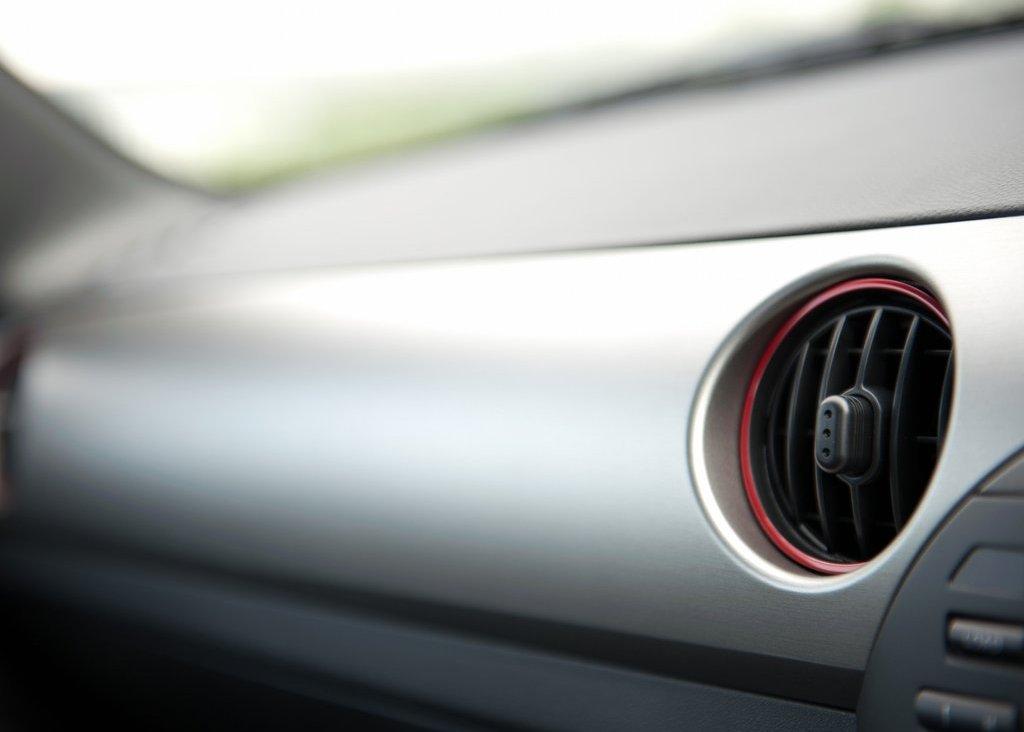 2012 Mazda MX 5 Kuro Interior (Photo 9 of 18)