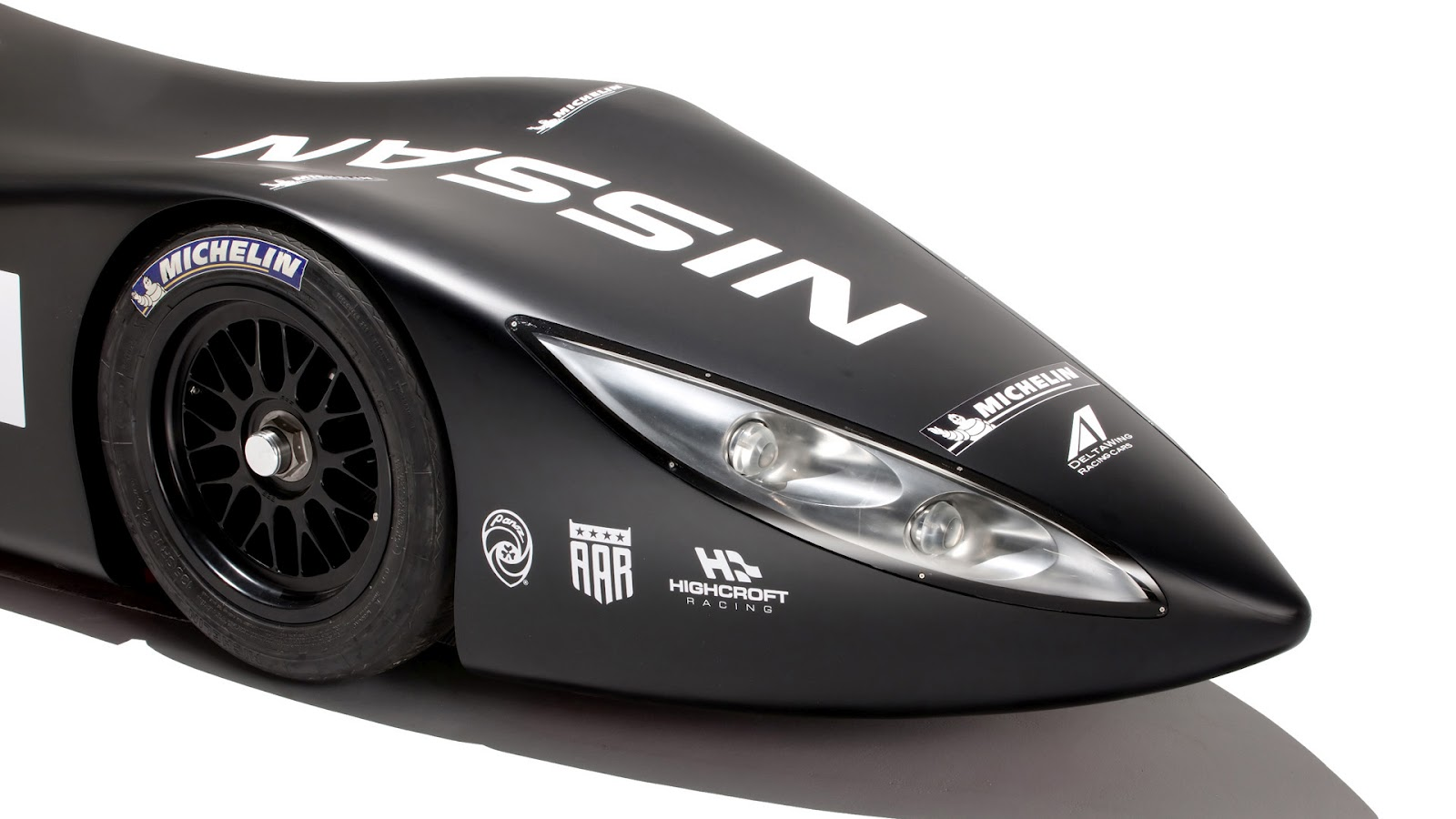 2012 Nissan Delta Wing Lamp (Photo 6 of 12)