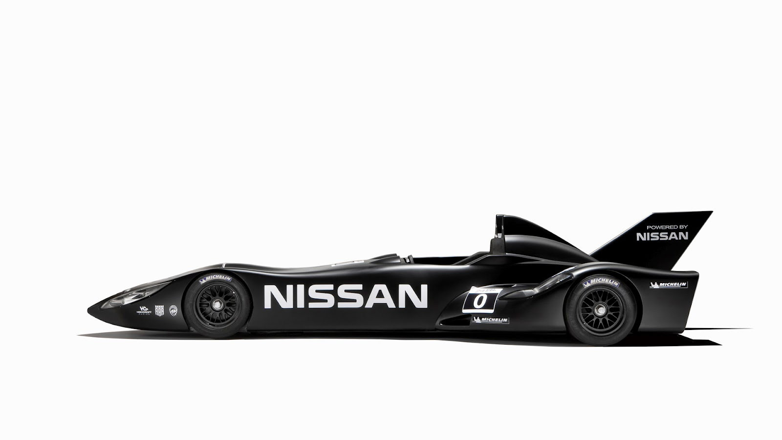 2012 Nissan Delta Wing Left Side (Photo 7 of 12)