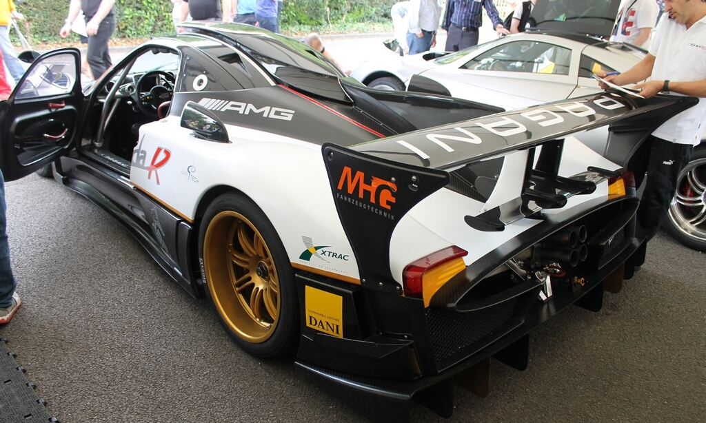 2012 Pagani Zonda R Evo Rear Angle (Photo 15 of 20)