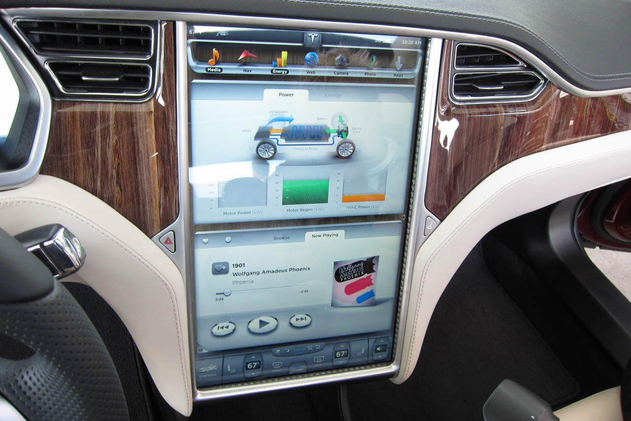 2012 Tesla Model S Feature (Photo 3 of 15)