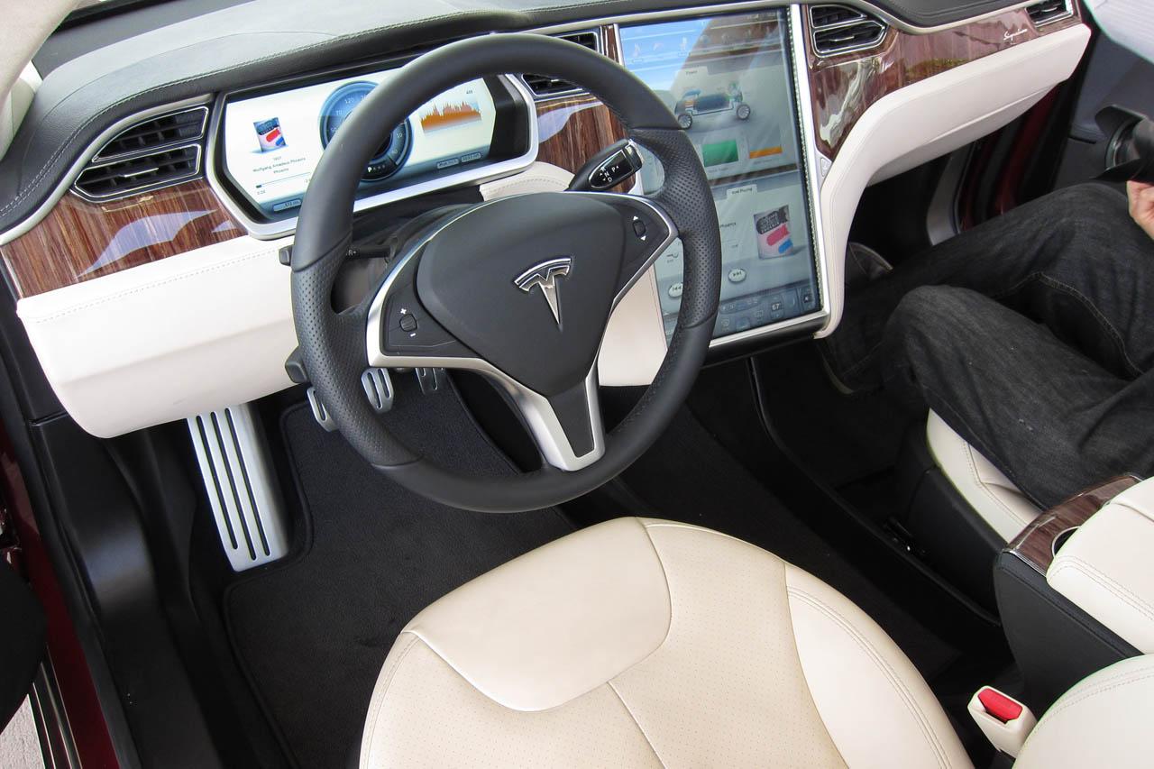 2012 Tesla Model S Interior (Photo 8 of 15)