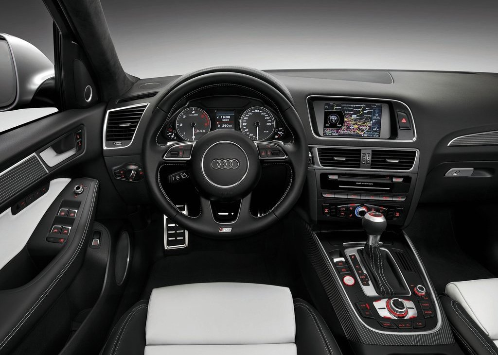 2013 Audi SQ5 TDI Interior (View 7 of 13)
