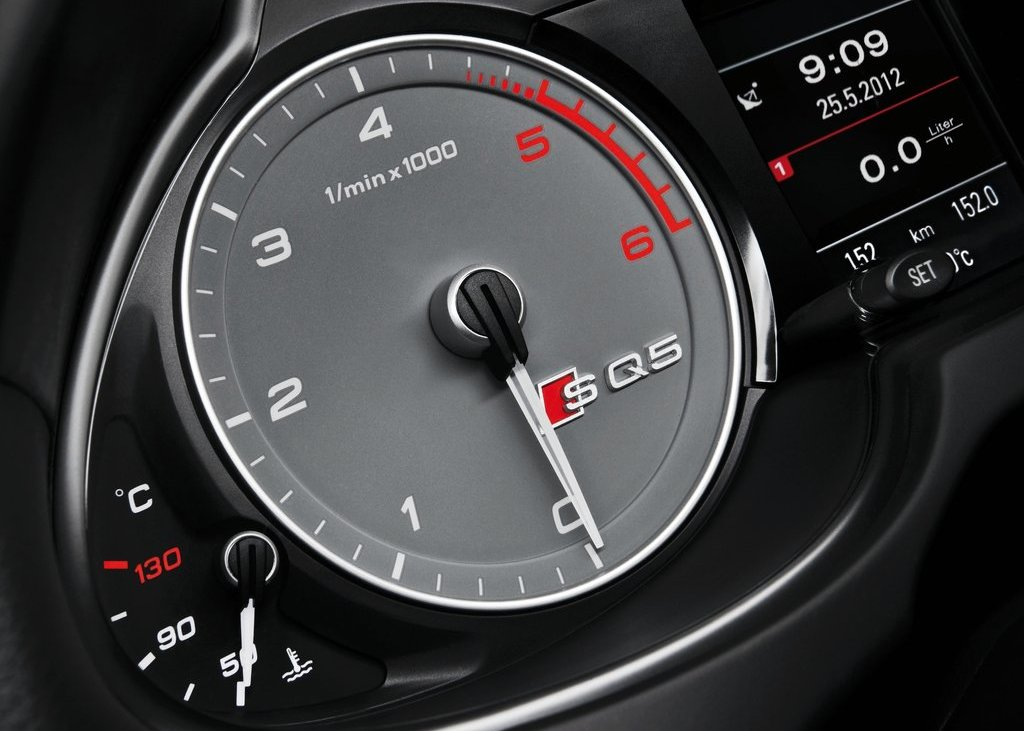 2013 Audi SQ5 TDI Speedometer (Photo 13 of 13)