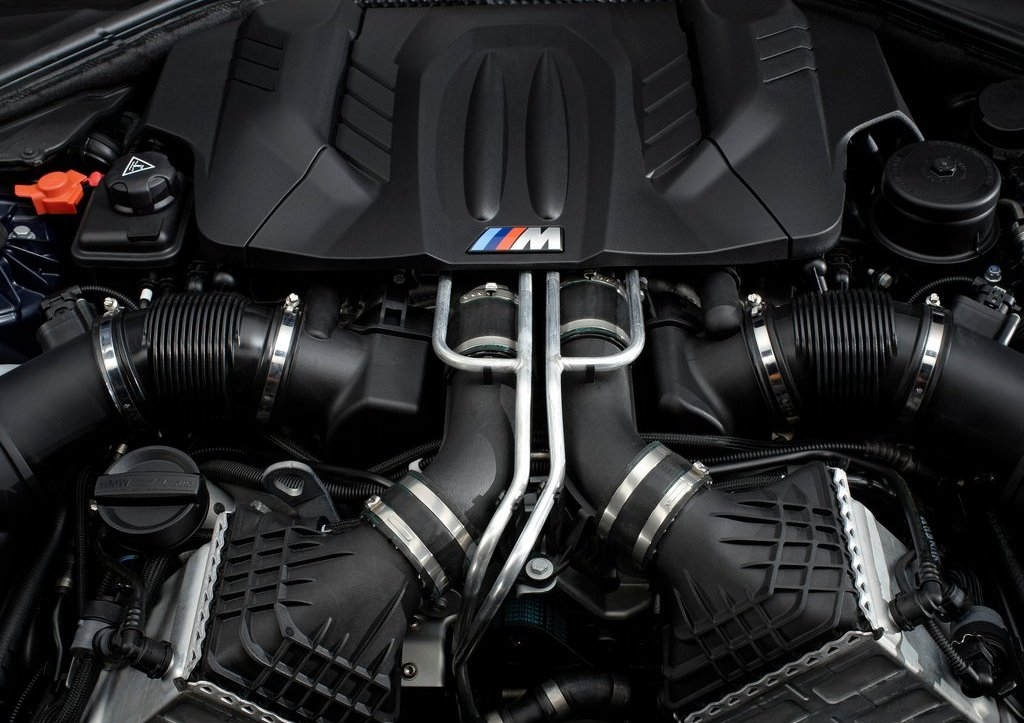 2013 BMW M6 Convertible Engine (Photo 7 of 25)