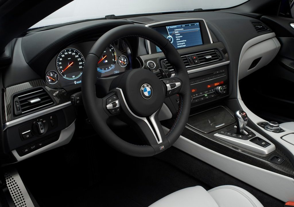 2013 BMW M6 Coupe Interior (Photo 12 of 23)