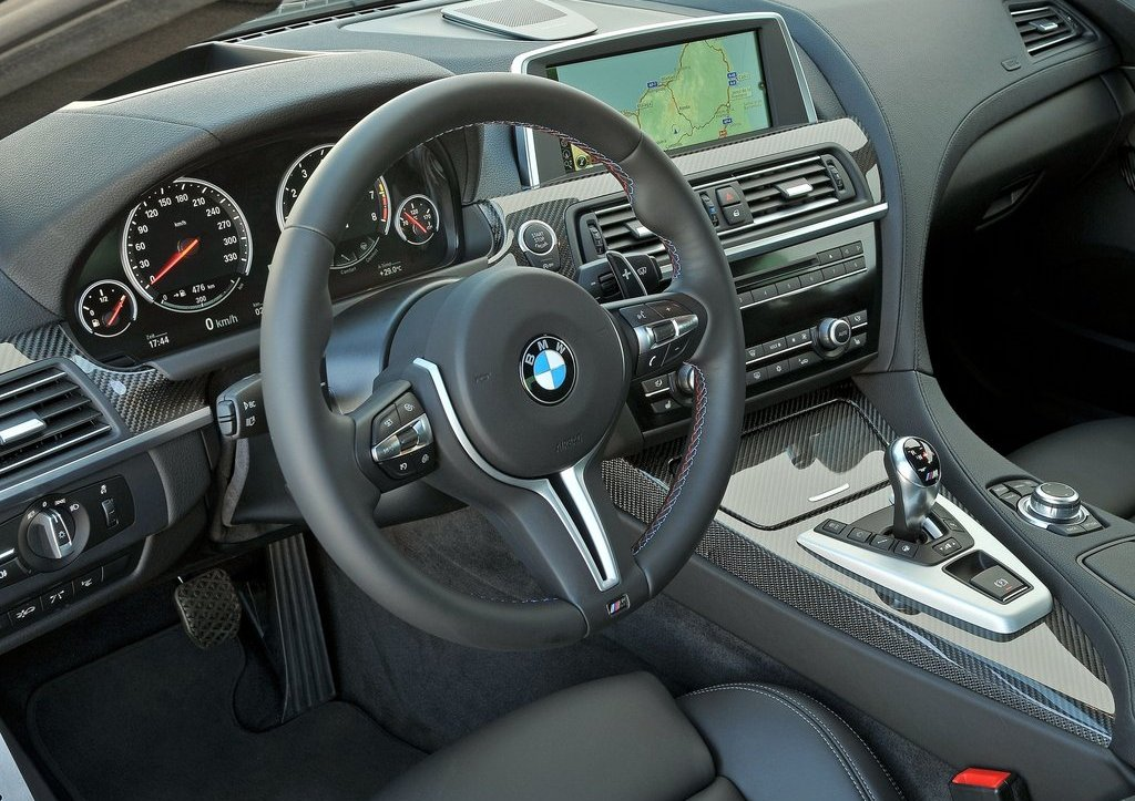 2013 BMW M6 Coupe Interior (Photo 14 of 23)