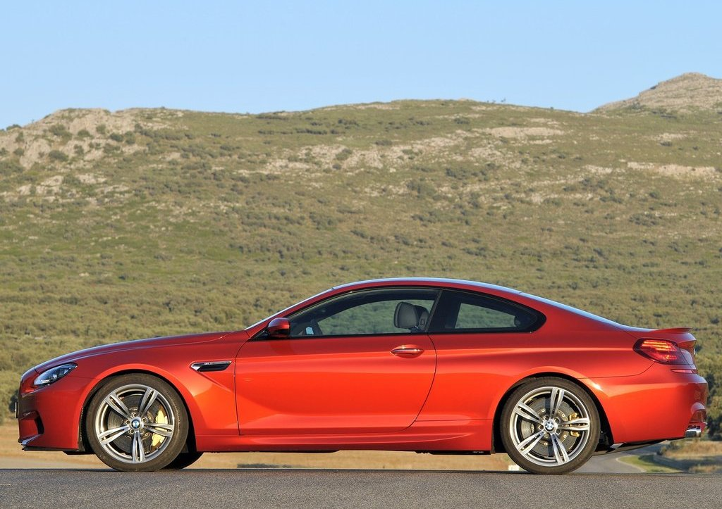 2013 BMW M6 Coupe Left Side (Photo 15 of 23)