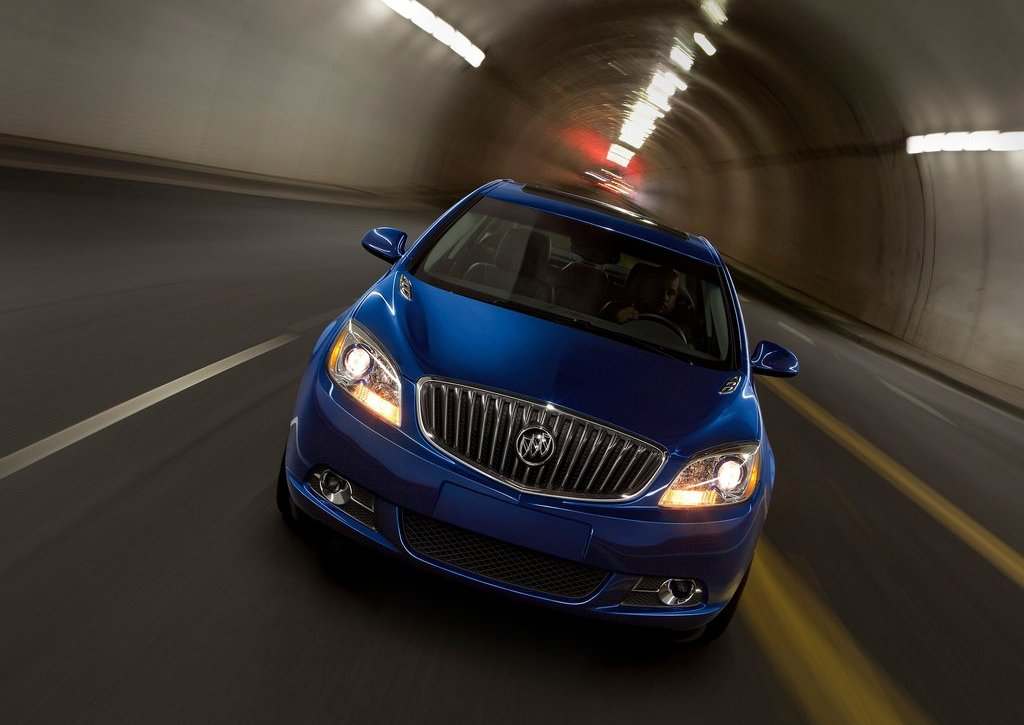 2013 Buick Verano Turbo Front (Photo 5 of 10)