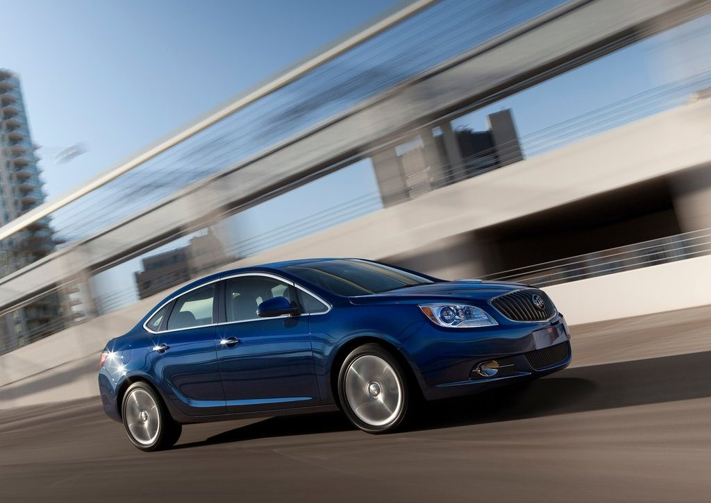 2013 Buick Verano Turbo Side (Photo 9 of 10)